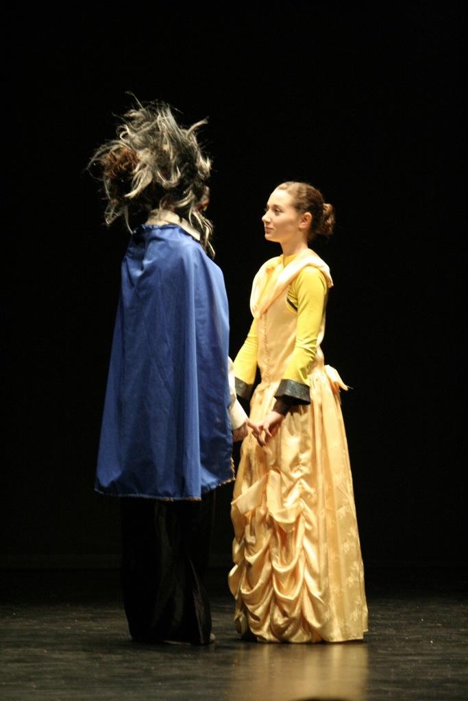 Asturias con niños a dónde vamos hoy? a ver El regalo más grande, teatro en La Felguera el lunes